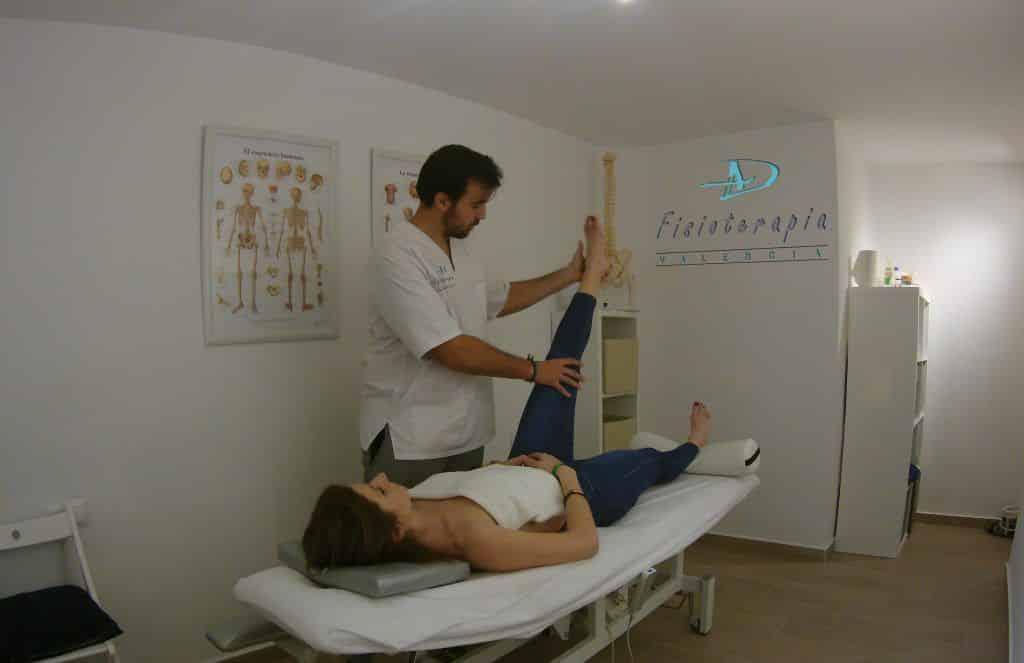 Estiramiento de la pierna diagonal